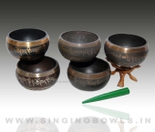 tibetan_etching_singing_bowls_in_india_7